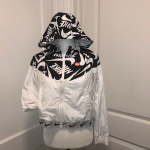 Youths xl zip up Nike coat